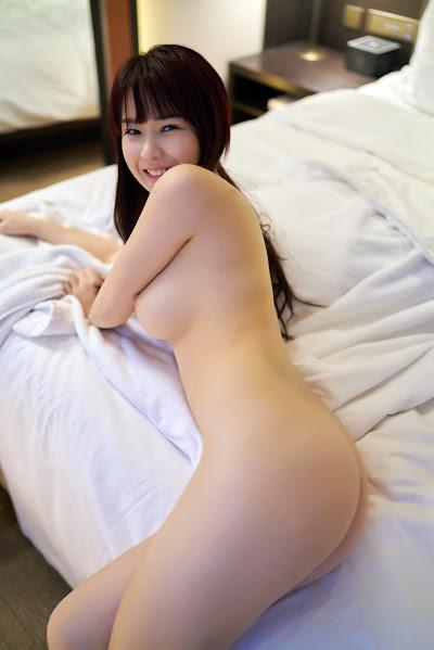 Kelompok gadis cantik Reira Kitagawa